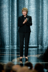 """""""The 81st Annual Academy Awards"""" (Telecast)Shirley MacLaine02-22-2009Photo by Michael Yada © 2009 A.M.P.A.S. - Image 23704_0583"""