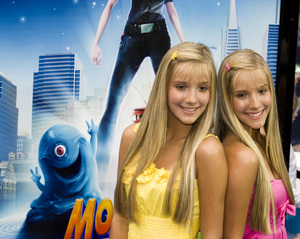 """Monsters vs. Aliens"" (Premiere)Camilla Rosso, Rebecca Rosso03-22-2009 / Gibson Amphitheatre / Universal City, CA / DreamWorks / Photo by Benny Haddad - Image 23707_0074"