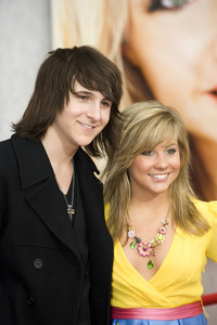"""""""Hannah Montana: The Movie"""" (Premiere)Mitchel Musso, Shawn Johnson04-02-2009 / El Capitan Theatre / Hollywood, CA / Walt Disney Pictures / Photo by Benny Haddad - Image 23710_0013"""