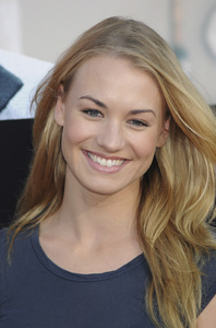 """Julie & Julia"" Premiere Yvonne Strahovski7-27-2009 / Mann Village Theater / Westwood, CA / Sony Pictures / Photo by Heather Holt - Image 23754_0144"