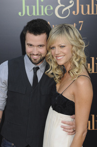 """""""Julie & Julia"""" Premiere  Kaitlin Olson & Rob McElhenney7-27-2009 / Mann Village Theater / Westwood, CA / Sony Pictures / Photo by Heather Holt - Image 23754_0173"""
