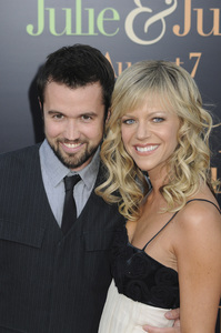 """""""Julie & Julia"""" Premiere  Kaitlin Olson & Rob McElhenney7-27-2009 / Mann Village Theater / Westwood, CA / Sony Pictures / Photo by Heather Holt - Image 23754_0174"""