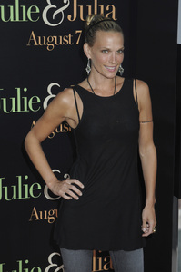 """""""Julie & Julia"""" Premiere  Molly Sims7-27-2009 / Mann Village Theater / Westwood, CA / Sony Pictures / Photo by Heather Holt - Image 23754_0271"""