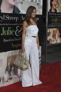 """""""Julie & Julia"""" Premiere Maria Menounos7-27-2009 / Mann Village Theater / Westwood, CA / Sony Pictures / Photo by Heather Holt - Image 23754_0279"""