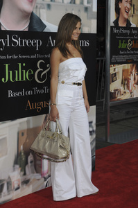 """Julie & Julia"" Premiere Maria Menounos7-27-2009 / Mann Village Theater / Westwood, CA / Sony Pictures / Photo by Heather Holt - Image 23754_0280"