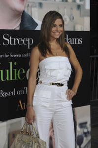 """""""Julie & Julia"""" Premiere Maria Menounos7-27-2009 / Mann Village Theater / Westwood, CA / Sony Pictures / Photo by Heather Holt - Image 23754_0281"""