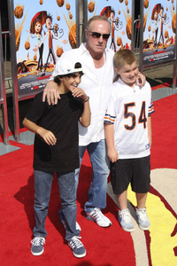 """""""Cloudy with a Chance of Meatballs"""" Premiere James Caan and family9-12-2009 / Mann Village Theater / Westwood, CA / Columbia Pictures / Photo by Joelle Leder - Image 23792_0059"""