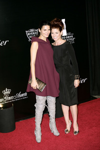 Rodeo Drive Walk of Style AwardDebra Messing and Angie Harmon10-22-2009 / Rodeo Drive / Beverly Hills, CA / Photo by Benny Haddad - Image 23800_0025