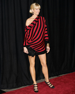 Rodeo Drive Walk of Style AwardJenna Elfman10-22-2009 / Rodeo Drive / Beverly Hills, CA / Photo by Benny Haddad - Image 23800_0072