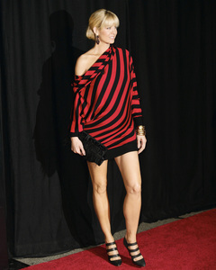Rodeo Drive Walk of Style AwardJenna Elfman10-22-2009 / Rodeo Drive / Beverly Hills, CA / Photo by Benny Haddad - Image 23800_0073