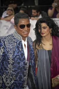 """""""This Is It"""" PremiereJermaine Jackson, Halima Rashid10-27-2009 / Nokia Theatre L.A. Live / Los Angeles, CA / Columbia Pictures / Photo by Benny Haddad - Image 23803_0130"""