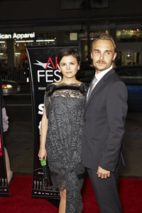 """A Single Man"" PremiereGinnifer Goodwin, Joey Kern 11-5-2009 / Grauman"