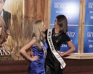 """""""Did You Hear About the Morgans?"""" PremiereKristen Dalton, Miss USA and Stefania Fernandez, Miss Universe12-14-2009 / Ziegfeld Theater / New York, NY / Sony Pictures / Photo by Cecelia Post - Image 23840_0005"""