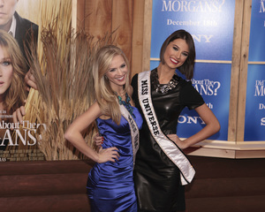 """""""Did You Hear About the Morgans?"""" PremiereKristen Dalton, Miss USA and Stefania Fernandez, Miss Universe12-14-2009 / Ziegfeld Theater / New York, NY / Sony Pictures / Photo by Cecelia Post - Image 23840_0006"""