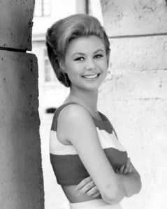"""Mitzi Gaynor in """"For Love or Money""""1963 Universal** I.V. / M.T. - Image 2386_0063"""