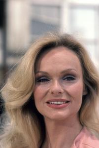 Lynda Day Georgecirca 1977** H.L.  - Image 2388_0002