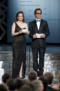 """The Academy Awards - 82nd Annual"" (Telecast)Tina Fey, Robert Downey Jr.3-7-2010Photo by Matt Petit © 2010 A.M.P.A.S. - Image 23908_0040"