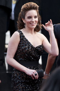 """""""The Academy Awards - 82nd Annual"""" (Arrivals)Tina Fey3-7-2010Photo by Niall McCarthy © 2010 A.M.P.A.S. - Image 23908_0156"""