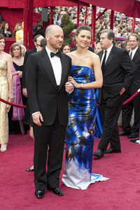 """""""The Academy Awards - 82nd Annual"""" (Arrivals)Peter Sarsgaard, Maggie Gyllenhaal3-7-2010Photo by Greg Harbaugh © 2010 A.M.P.A.S. - Image 23908_0252"""