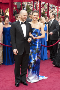 """""""The Academy Awards - 82nd Annual"""" (Arrivals)Peter Sarsgaard, Maggie Gyllenhaal3-7-2010Photo by Greg Harbaugh © 2010 A.M.P.A.S. - Image 23908_0253"""