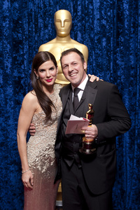 """""""The Academy Awards - 82nd Annual"""" (Backstage)Sandra Bullock, Mauro Fiore3-7-2010Photo by Darren Decker © 2010 A.M.P.A.S. - Image 23908_0353"""