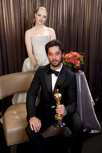 """The Academy Awards - 82nd Annual"" (Backstage)Ryan Bingham, Amanda Seyfried3-7-2010Photo by Todd Wawrychuk © 2010 A.M.P.A.S. - Image 23908_0408"