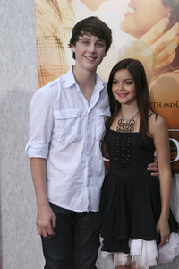 """""""The Last Song"""" PremiereSterling Beaumon, Ariel Winter3-25-2010 / Arclight Theater / Hollywood CA / Touchstone Pictures / Photo by Heather Hixon - Image 23914_0034"""