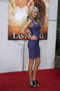"""""""The Last Song"""" PremiereMelissa Ordway3-25-2010 / Arclight Theater / Hollywood CA / Touchstone Pictures / Photo by Heather Hixon - Image 23914_0047"""