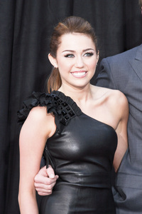 """The Last Song"" PremiereMiley Cyrus3-25-2010 / Arclight Theater / Hollywood CA / Touchstone Pictures / Photo by Heather Hixon - Image 23914_0163"