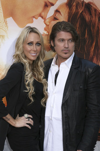 """""""The Last Song"""" PremiereTish Cyrus, Billy Ray Cyrus3-25-2010 / Arclight Theater / Hollywood CA / Touchstone Pictures / Photo by Heather Hixon - Image 23914_0184"""