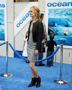 """Oceans"" PremiereAmber Valletta4-17-2010 / El Capitan Theater / Los Angeles CA / Walt Disney Studios / Photo by Annabel Park - Image 23920_0140"