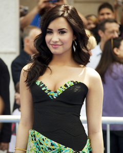 """Oceans"" PremiereDemi Lovato4-17-2010 / El Capitan Theater / Los Angeles CA / Walt Disney Studios / Photo by Annabel Park - Image 23920_0148"
