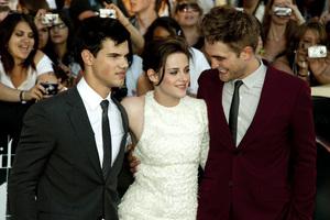 """The Twilight Saga: Eclipse"" Premiere Taylor Lautner, Kristen Stewart, Robert Pattinson6-24-2010 / Nokia Theater at L.A. Live / Los Angeles CA / Summit Entertainment / Photo by Annabel Park - Image 23941_0141"