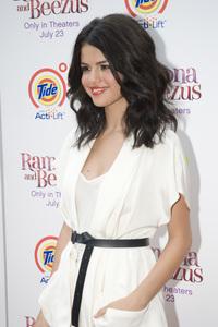 """Ramona and Beezus"" Premiere Selena Gomez7-20-2010 / Madison Square Park / New York NY / 20th Century Fox / Photo by Lauren Krohn - Image 23951_0051"