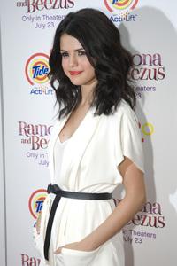 """Ramona and Beezus"" Premiere Selena Gomez7-20-2010 / Madison Square Park / New York NY / 20th Century Fox / Photo by Lauren Krohn - Image 23951_0053"