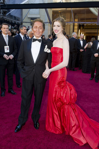 """The Academy Awards - 83rd Annual"" (Arrivals) Valentino Garavani, Anne Hathaway 02-27-2011 Photo by Darren Decker © 2011 A.M.P.A.S. - Image 24036_0011"