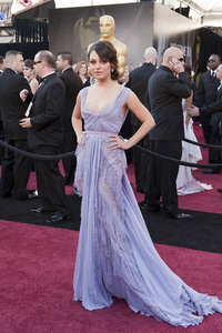 """""""The Academy Awards - 83rd Annual"""" (Arrivals) Mila Kunis02-27-2011 Photo by Ivan Vejar © 2011 A.M.P.A.S. - Image 24036_0026"""