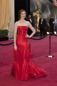 """""""The Academy Awards - 83rd Annual"""" (Arrivals) Anne Hathaway02-27-2011 Photo by John Selig © 2011 A.M.P.A.S. - Image 24036_0036"""