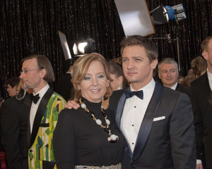 """""""The Academy Awards - 83rd Annual"""" (Arrivals) Valerie Cearley, Jeremy Renner02-27-2011 Photo by John Selig © 2011 A.M.P.A.S. - Image 24036_0082"""