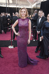 """""""The Academy Awards - 83rd Annual"""" (Arrivals) Scarlett Johansson02-27-2011 Photo by Ivan Vejar © 2011 A.M.P.A.S. - Image 24036_0121"""