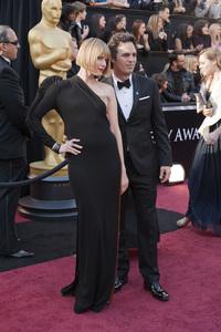 """The Academy Awards - 83rd Annual"" (Arrivals) Sunrise Coigney, Mark Ruffalo02-27-2011 Photo by Ivan Vejar © 2011 A.M.P.A.S. - Image 24036_0151"