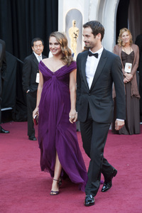 """""""The Academy Awards - 83rd Annual"""" (Arrivals) Natalie Portman, Benjamin Millepied02-27-2011 Photo by Ivan Vejar © 2011 A.M.P.A.S. - Image 24036_0165"""