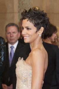 """""""The Academy Awards - 83rd Annual"""" (Arrivals) Halle Berry02-27-2011 Photo by Jonathan Selig © 2011 A.M.P.A.S. - Image 24036_0180"""