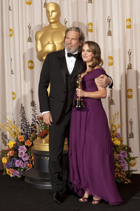 """The Academy Awards - 83rd Annual"" (Press Room) Jeff Bridges, Natalie Portman2-27-2011Photo by Rick Salyer © 2011 A.M.P.A.S. - Image 24036_0288"