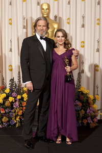 """The Academy Awards - 83rd Annual"" (Press Room) Jeff Bridges, Natalie Portman2-27-2011Photo by Rick Salyer © 2011 A.M.P.A.S. - Image 24036_0290"