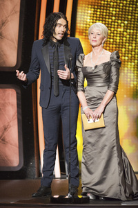 """""""The Academy Awards - 83rd Annual"""" (Telecast) Russell Brand, Helen Mirren02-27-2011 Photo by Michael Yada © 2011 A.M.P.A.S. - Image 24036_0323"""