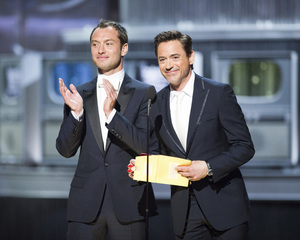 """""""The Academy Awards - 83rd Annual"""" (Telecast) Robert Downey Jr., Jude Law02-27-2011 Photo by Michael Yada © 2011 A.M.P.A.S. - Image 24036_0379"""