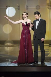 """""""The Academy Awards - 83rd Annual"""" (Telecast) Anne Hathaway, James Franco02-27-2011 Photo by Michael Yada © 2011 A.M.P.A.S. - Image 24036_0406"""