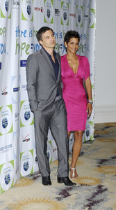 """""""Jenesse Silver Rose Luncheon""""     Olivier Martinez, Halle Berry4-17-2011 / Beverly Hills Hotel / Beverly Hills CA / Photo by Gary Lewis - Image 24054_0007"""