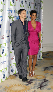 """""""Jenesse Silver Rose Luncheon""""     Olivier Martinez, Halle Berry4-17-2011 / Beverly Hills Hotel / Beverly Hills CA / Photo by Gary Lewis - Image 24054_0008"""